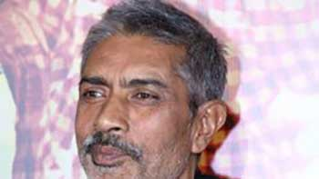 Prakash Jha to strike digital media to prop up \'Satyagraha\'