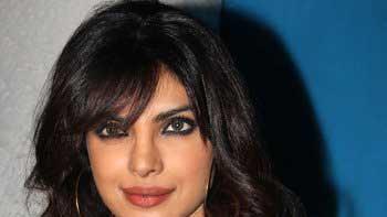 Priyanka Chopra to do item number in \'Ram Leela\'
