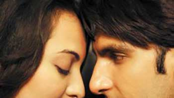 Ranveer and Sonakshi to depict vintage romance in \'Lootera\'