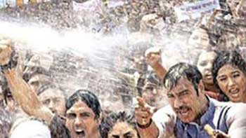 Satyagraha Poster: Full of Rage and Courage!