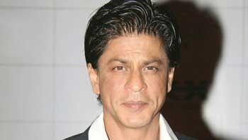 Shah Rukh Khan to do ramp walk for Yash Chopra