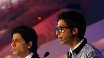 Shahid Kapoor and Shahrukh Khan to host this year's IIFA