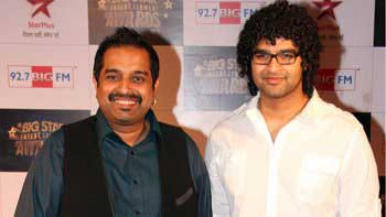 Shankar Mahadevan and Siddharth Mahadevan sing together in '2 States'