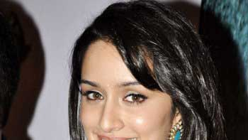 Shraddha Kapoor too walks out of \'Milan Talkies\'