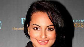 Sonakshi Sinha all set to debut in Telugu movie