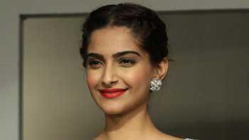 Sonam Kapoor becomes the teen icon