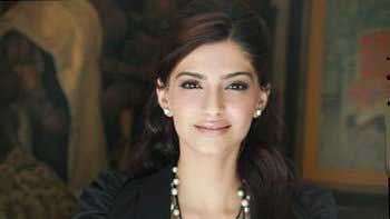 Sonam Kapoor starrer \'Khoobsurat\' remake to release on September 19