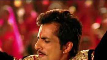 Sonu Sood turns Item Boy in \'R... Rajkumar\'!
