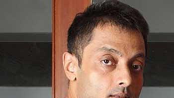 Sujoy Ghosh ropes in Big B, Vidya  and Naseer in his next