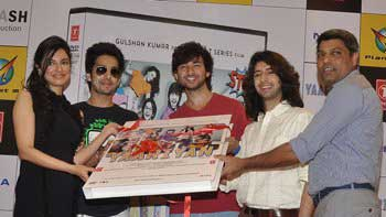 'Yaariyan' team launches DVD at Planet M