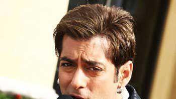Salman Khan sings for 'Bajrangi Bhaijaan'