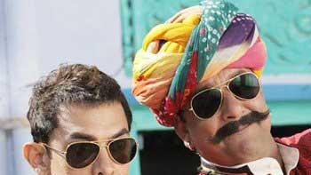 Aamir Khan unveils first song Tharki Chokro from 'PK'