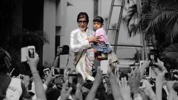 Aaradhya Joins Grand Father Amitabh Bachchan for the Sunday 'Wave' Ritual