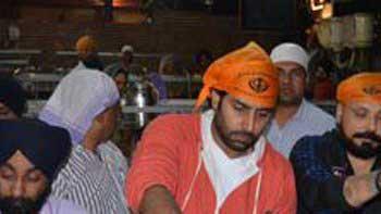 Abhishek Bachchan visits Golden Temple in Amritsar