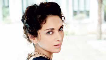 Aditi Rao Hydari to play Rekha's younger version in 'Fitoor'