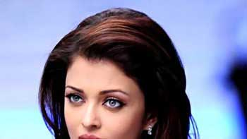Aishwarya Rai to skip 'Happy New Year' international premiere
