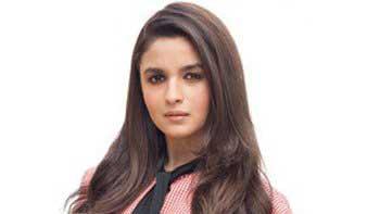 Alia Bhatt begins with 'Shaandar' shoot