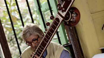 Amitabh Bachchan aspires to learn Sitar