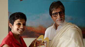Amitabh Bachchan bags 'Social Media Person of the Year' award