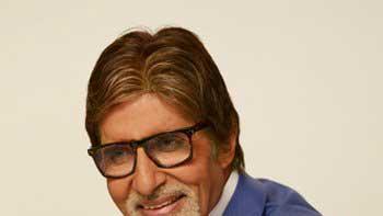 Amitabh Bachchan celebrates the victory of ChennaiyinFC