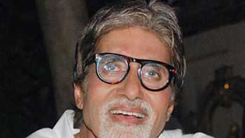 Amitabh Bachchan\'s health shows sigh of relief