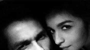 Check Out: Alia Bhatt and Shahid Kapoor\'s Selfie-Obsession