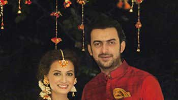 Check Out: Dia Mirza's Mehendi Picture
