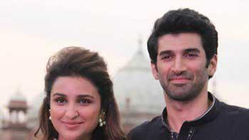 'Daawat-E-Ishq' team hosts qawwali night at Taj Mahal