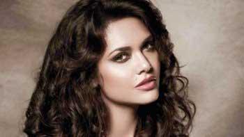 Esha Gupta all set to groove on 'Beparwah' in 'Baby'