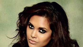 Esha Gupta is upset about the recent Supreme Court's Verdict on Strays