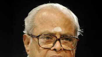 Filmmaker K. Balachander passes away at the age of 84