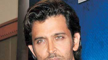 Hrithik Roshan initiates a movement against Drink and Drive