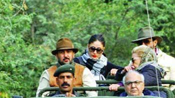 It\'s a Safari time for Saif Ali Khan and Kareena Kapoor!