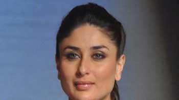 Kareena Kapoor Goes Street Shopping For Her Next!