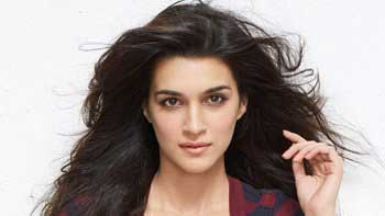 Kriti's Close Pals Excited To Meet SRK