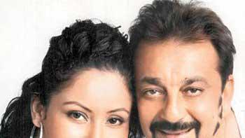 Maanayata's Anniversary Surprise for Hubby Sanjay Dutt