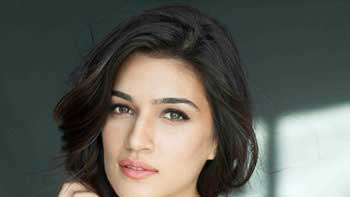No Family Time For Kriti