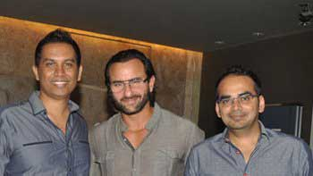 Saif Ali Khan receives a limited edition gift from \'Happy Ending\' directors