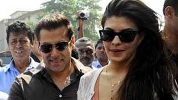 Salman Khan and Jacqueline Fernandez extend their support to Sri Lanka's President Mahinda Rajapakse