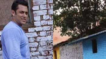 Salman Khan paints a village in Karjat