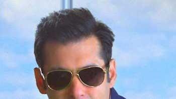 Salman Khan records Dholi Taro for 'Bigg Boss 8'
