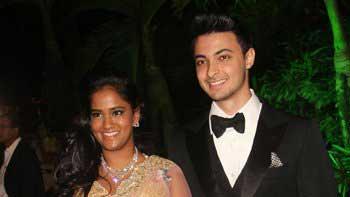 Salman Khan\'s sister Arpita Khan celebrates Being Mrs. Sharma with a grand reception