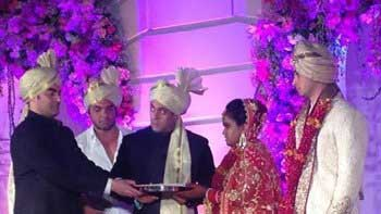 Salman Khan's sister Arpita ties knot with Aayush Sharma