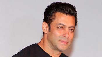 Salman Khan unveils trailer of \'Roar\' today