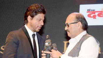 Shah Rukh Khan Honoured with Dadasaheb Phalke Film Foundation Award