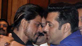 Shah Rukh Khan, Salman Khan hug each other again at Iftaar Party