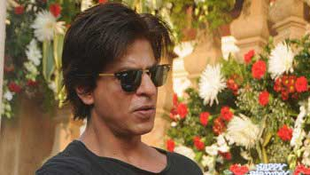 Shah Rukh Khan thanks for galore of birthday wishes