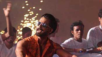 Shahid's Look In 'Udta Punjab' Revealed!