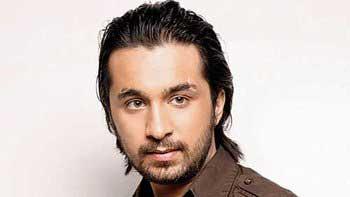Siddhanth Kapoor to star in \'Jazbaa\'