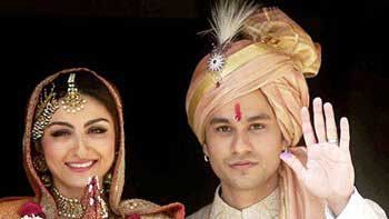 Soha Ali Khan turns Mrs. Khemu!
